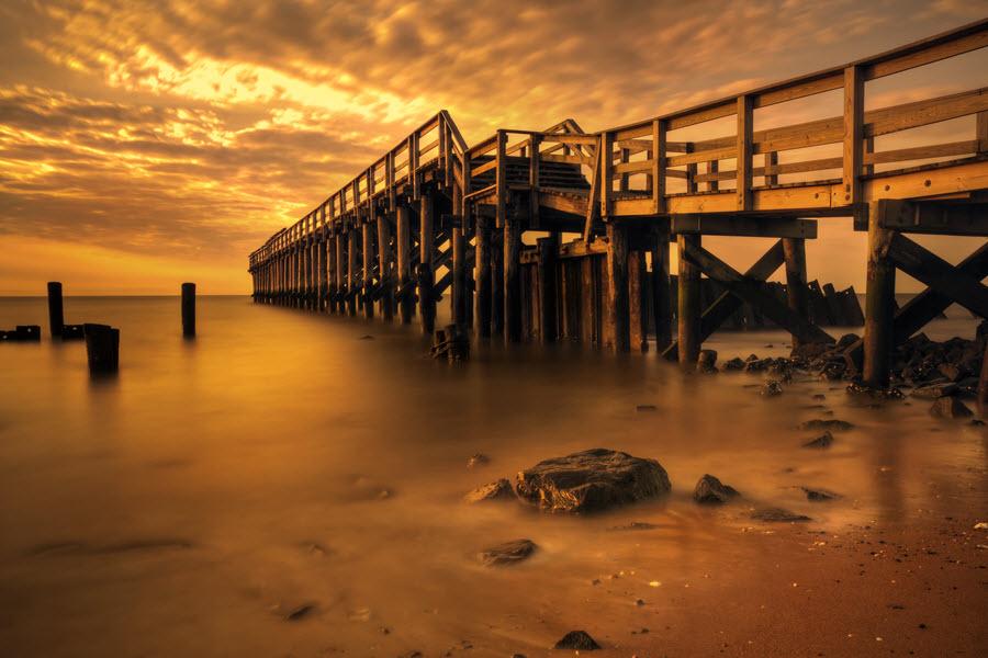 Delaware Bay Fishing Pier.