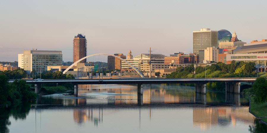 Downtown Des Moines & the Des Moines River.